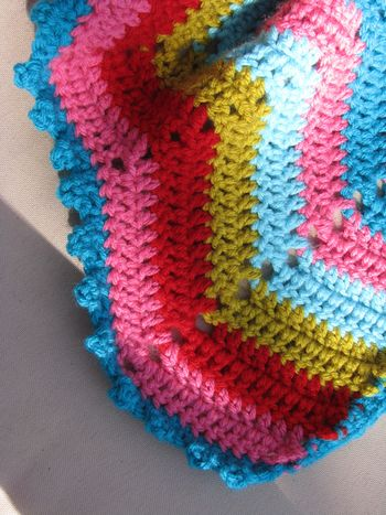 Zigzag blanket4, sm