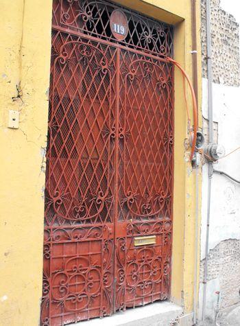 Red door, sm